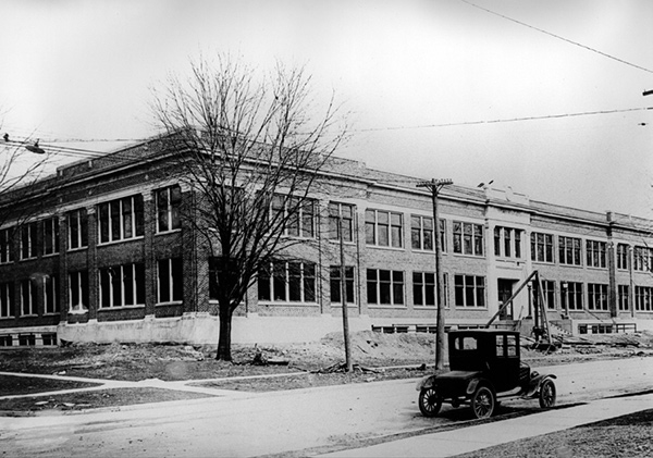New building of the Faculty of Medicine in 1921