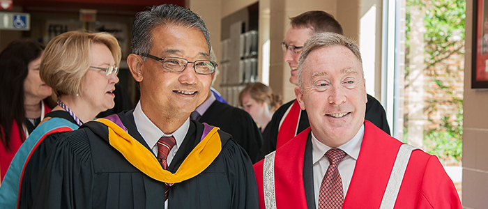 Dr. Victor Han and Fanshawe President Peter Devlin